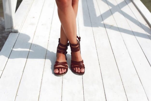 Leichte Sommerschuhe für jeden Anlass: Sandalen liegen voll im Trend